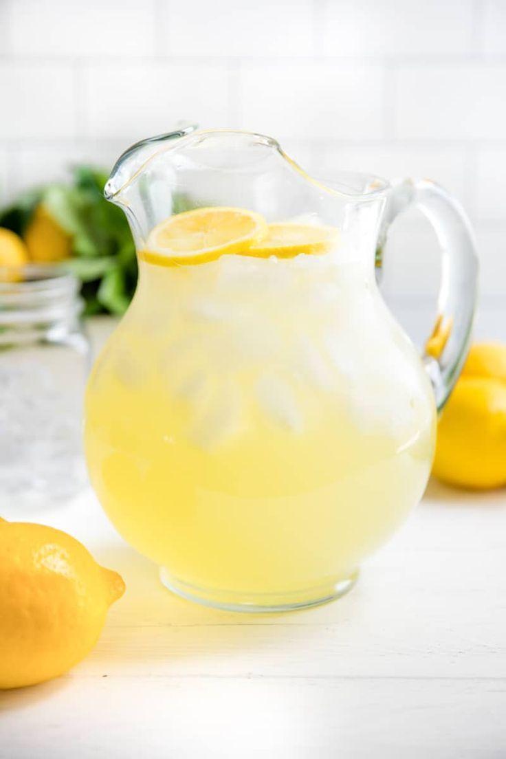 How to Make Homemade Lemonade #easylemonaderecipe