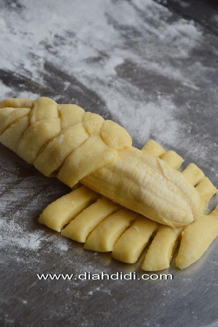 Roti Kepang Goreng Isi Pisang Yummy Dan Lembut Tekturenya Makanan Dan Minuman Makanan Resep Masakan