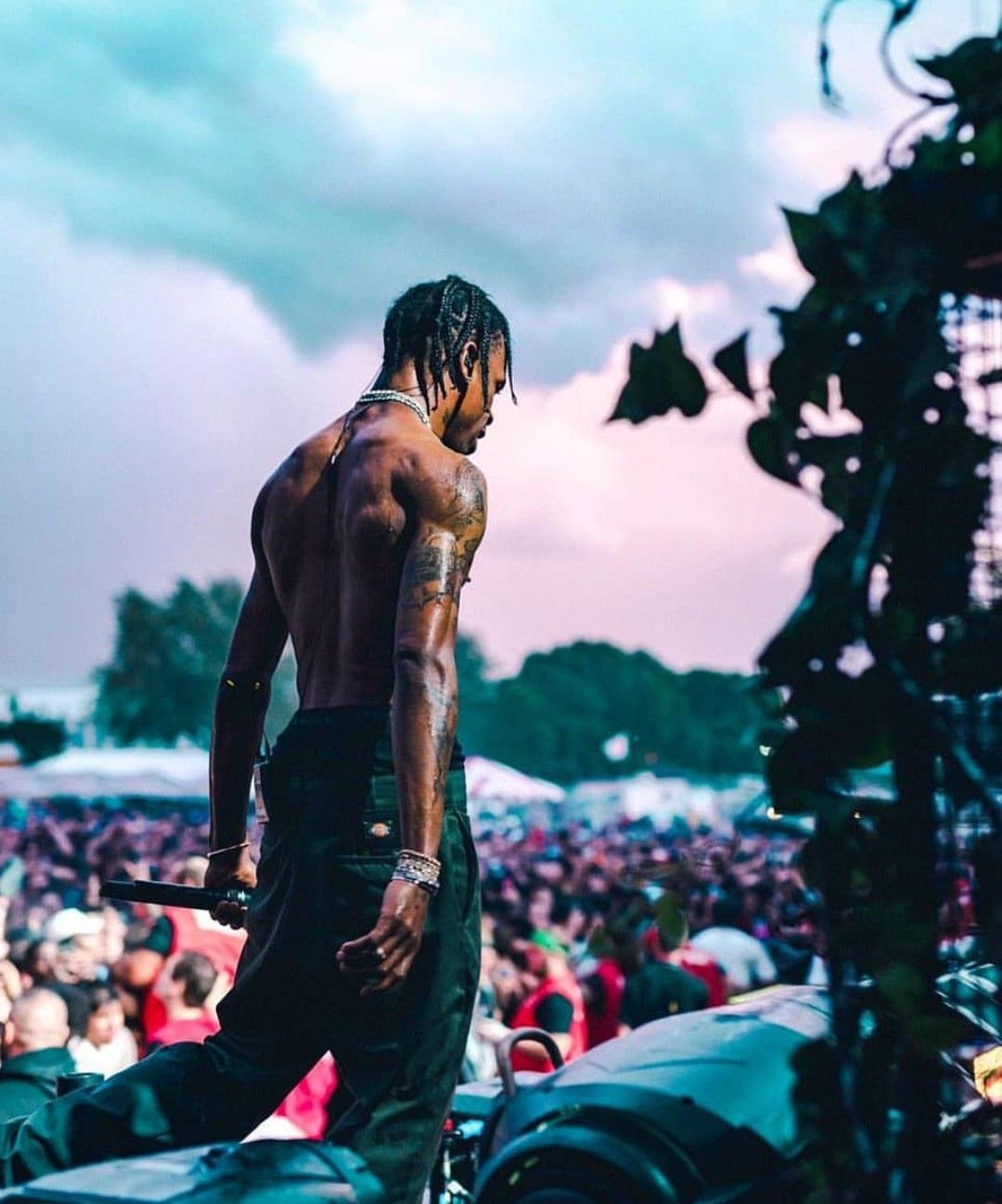 Pin By Kiana Cobb On Travis Scott Travis Scott Wallpapers Travis Scott Iphone Wallpaper Travis Scott Art