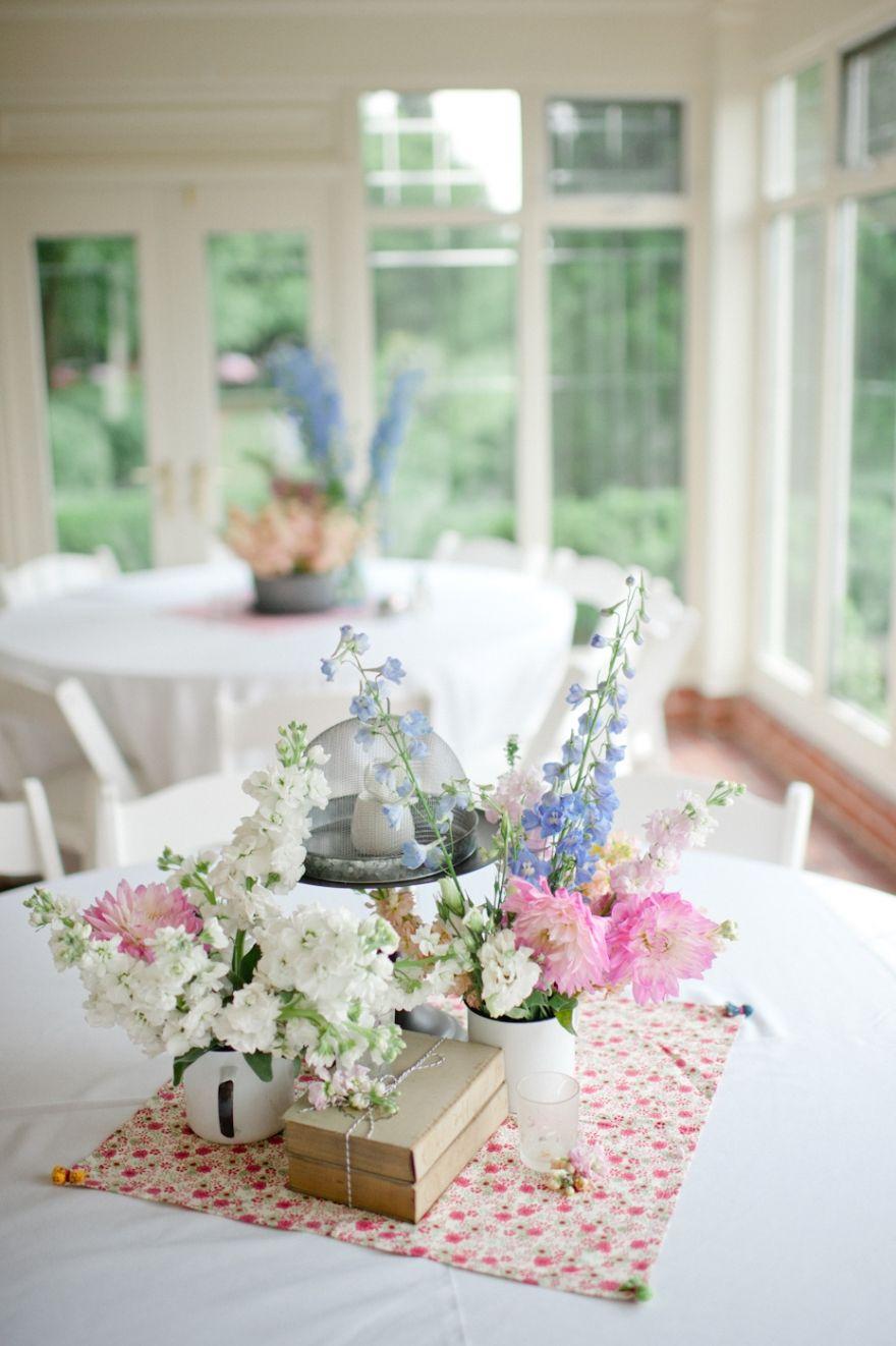 Mini vignette as table décor - vintage linen, enamel ware, and old ...