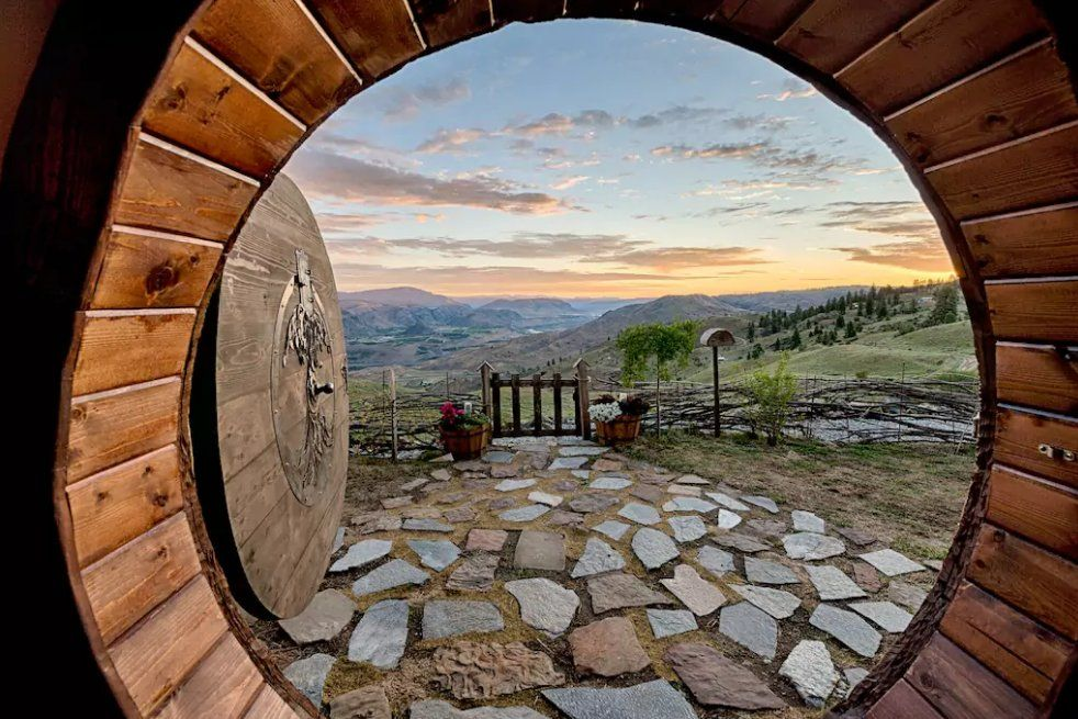 Hobbit Fans Can Rent A Shire Like Home On Airbnb Now