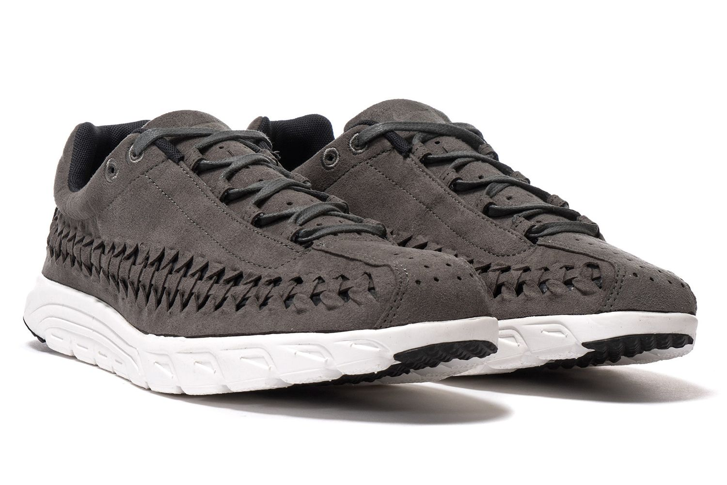 b52acefd1eea1 The return of the Nike Mayfly Woven has sparked a major ovation. As expected