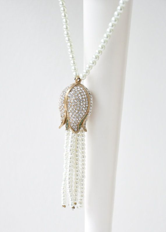 tulip pearl necklace