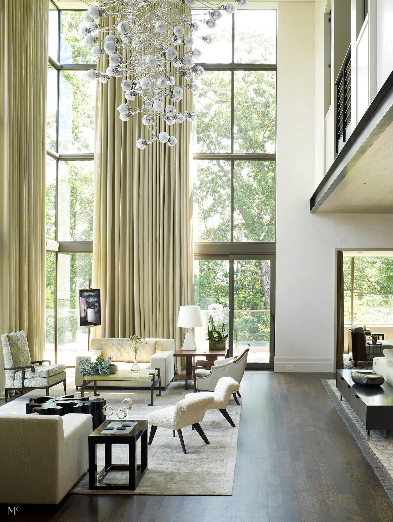 Best Modern Reinvention In 2020 High Ceiling Living Room 400 x 300