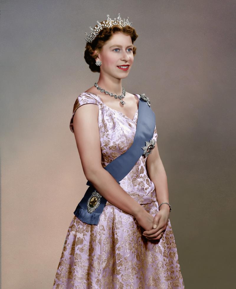 Queen Elizabeth Ii By Alixofhesse On Deviantart Queen Elizabeth Queen Elizabeth Portrait Queen Elizabeth Ii
