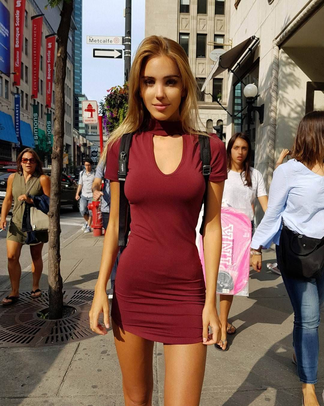 Backpacking in Montréal | Tight red dress, Tight dresses, Mini dress