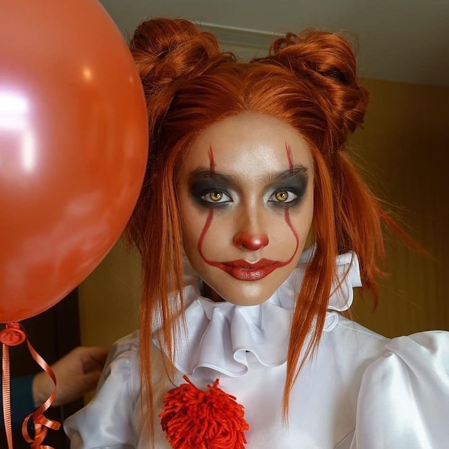 Wanna play? Pennywise halloween costume, Clown halloween
