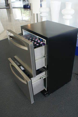 Getränkekühlschrank mit Schubladen