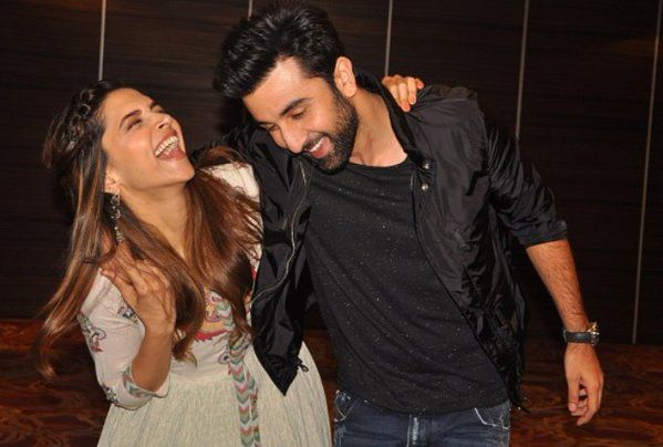 Twitter Deepika Padukone Ranbir Kapoor Bollywood Actors