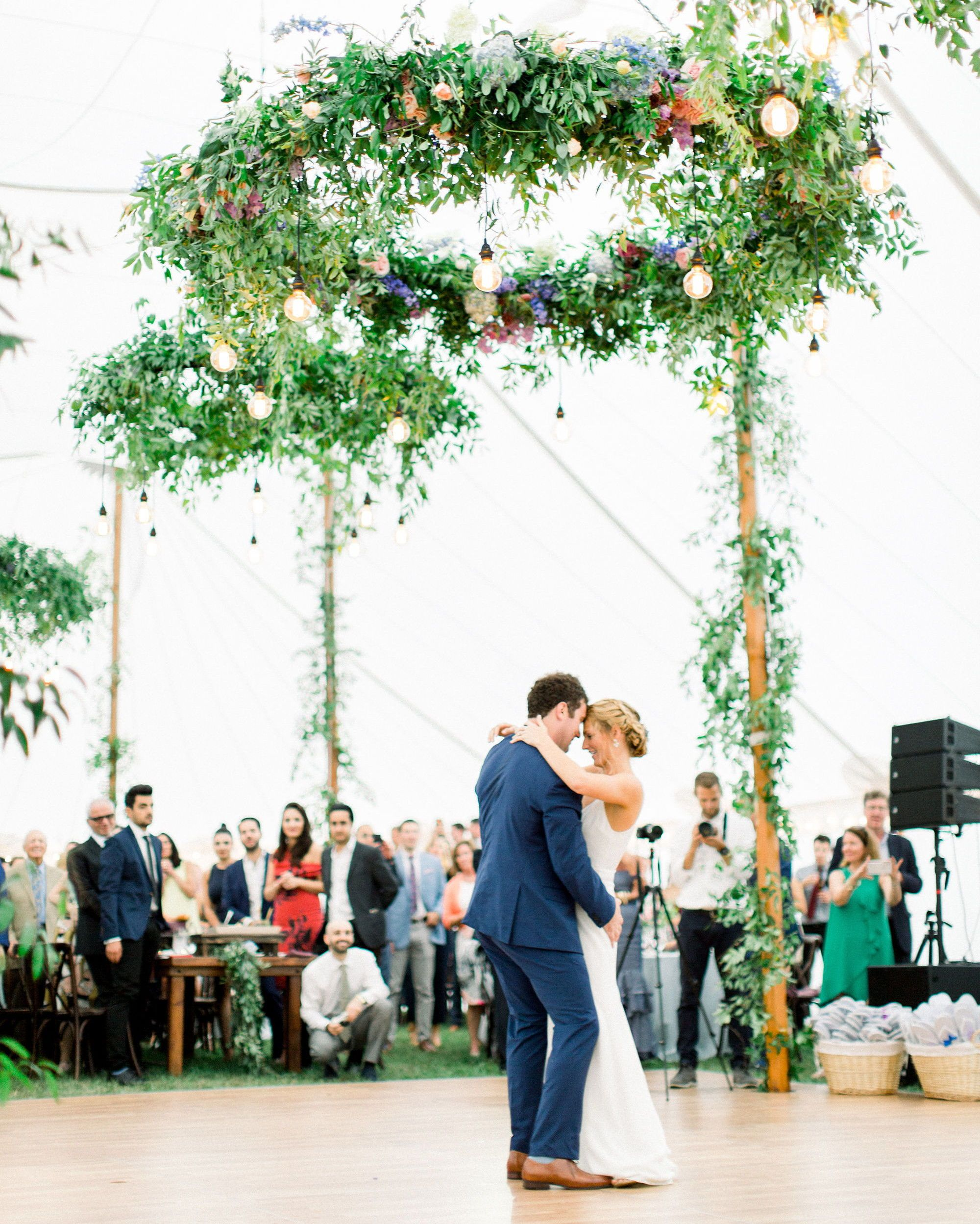 A Fun Funky Wedding In Stowe Vermont Vermont Wedding Funky Wedding Lush Wedding