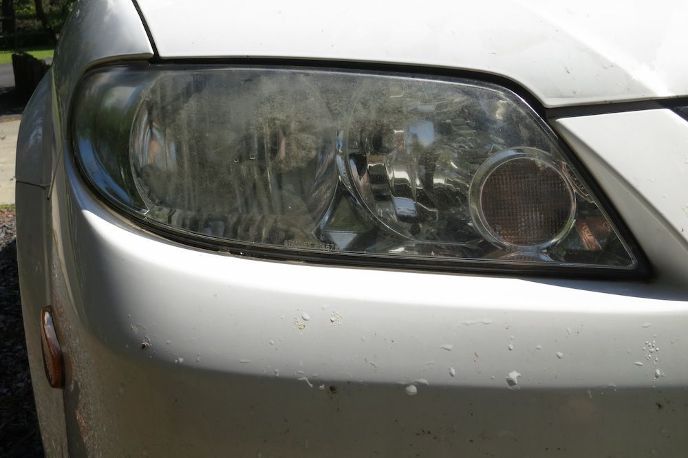 Clean your headlights with toothpaste how to clean