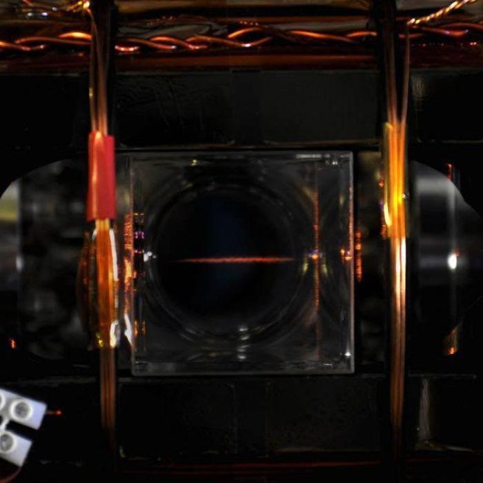 Scientists stop light in a cloud of atoms - ABC Online #757LiveAU