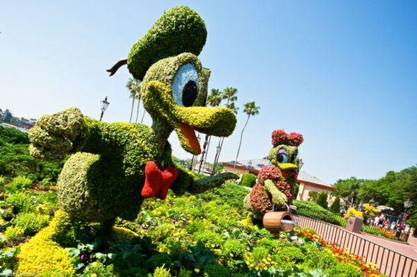 35 Gartenskulpturen Von Comicfiguren Und Kunstvolle Landschaftsbau Pflanzengestaltung Gartenkunst Formschnitt Garten