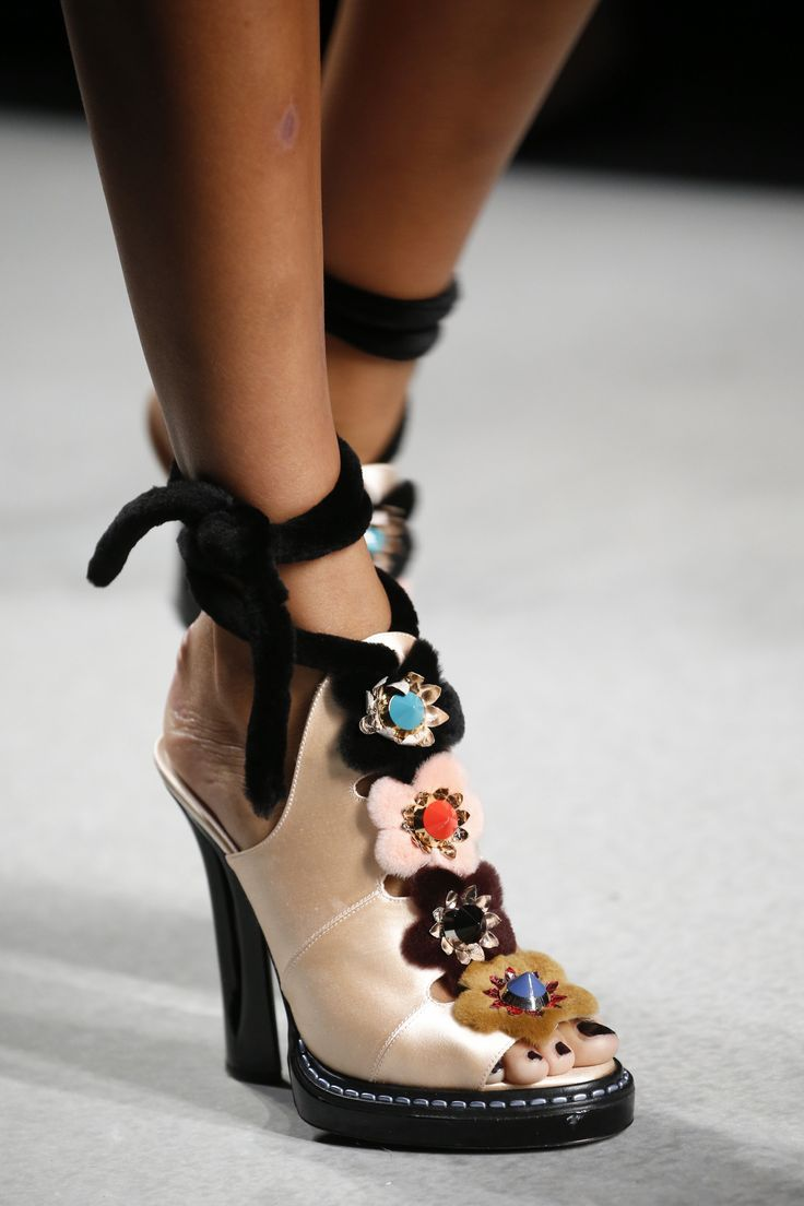 134038f6269a Fendi Spring 2016 Ready-to-Wear Fashion Show   SHOES   HEELS   Shoes ...