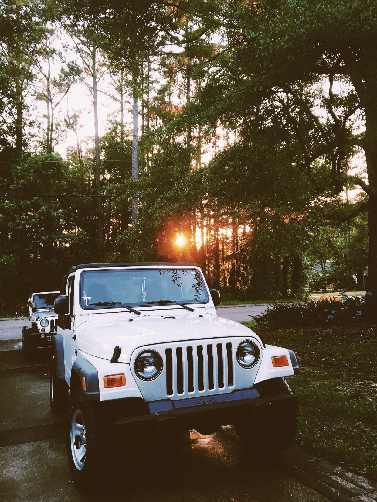 White Jeep Wallpapers Top Free White Jeep Backgrounds Wallpaperaccess Jeep Wallpaper Jeep Wrangler Dream Cars Jeep