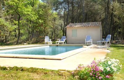 Les Volets Bleus (ref FPV336) in Pernes-les-Fontaines, Vaucluse   French-Country-Cottages