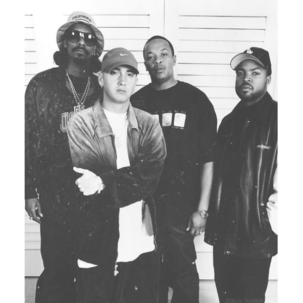 Ice Cube Dr Dre Snoop Dogg N Eminem Eminem Photos Eminem Dr Dre 50 Cent And Eminem