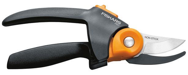 Who doesn't want three times more power? @fiskars_hq's pruners give a #gardener just that. Check them out--> http://bit.ly/1Q1IeZ6 #gifts