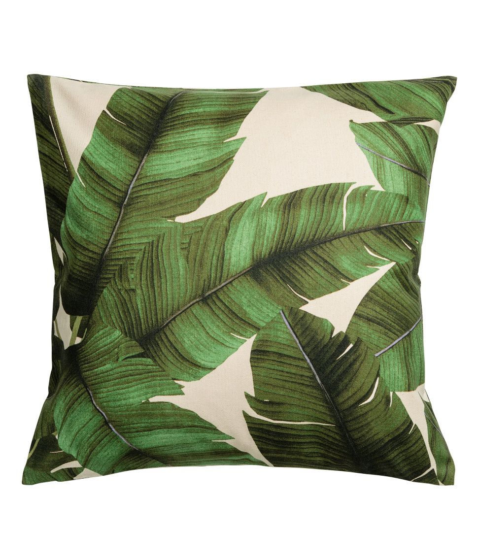 ¡Echa un vistazo! Funda de cojín en tejido de algodón con motivo de hojas. Cremallera lateral. – Visita hm.com para ver más.