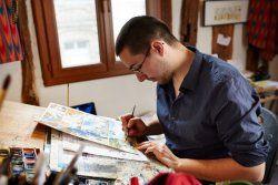 Damien Cuvillier, auteur et illustrateur - Son aventure commence sur les bancs de l'école, à 10 ans. Le natif de Montdidier y est rêveur, sachant à peine lire ou écrire. Ses parents choisissent alors de le déscolariser : Damien devra dessiner sa propre histoire, loin des cours de récréation. [...] Autodidacte passionné, il participe à de nombreux concours [...] Aujourd'hui, le succès est au rendez-vous.