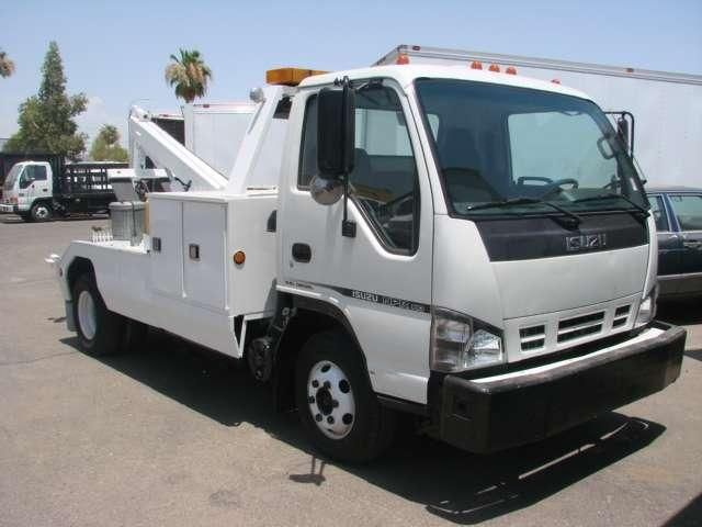 Isuzu NPR rollback wrecker | Isuzu | Trucks, Tow truck, Vehicles