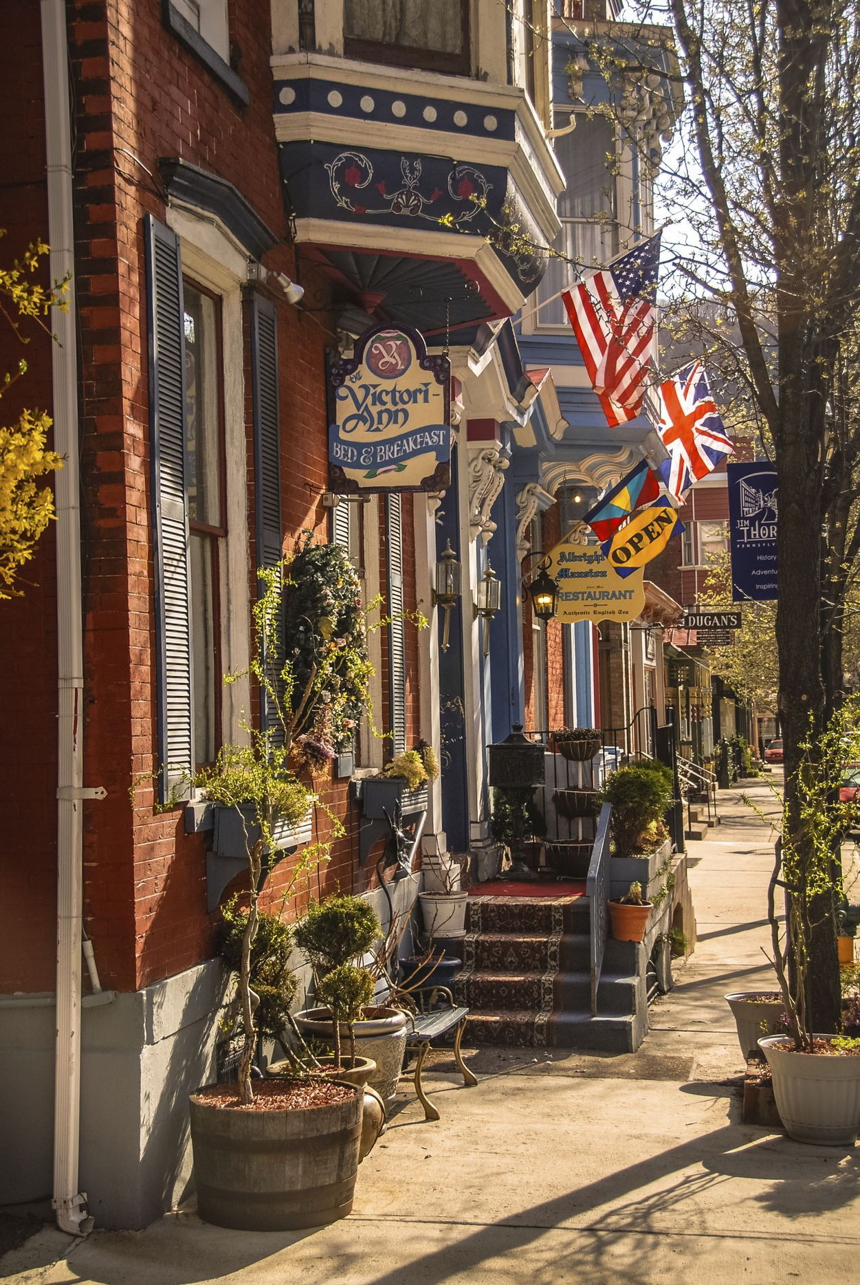 The 50 Most Beautiful Small Towns In America Small Town America Small Towns Usa Small Towns