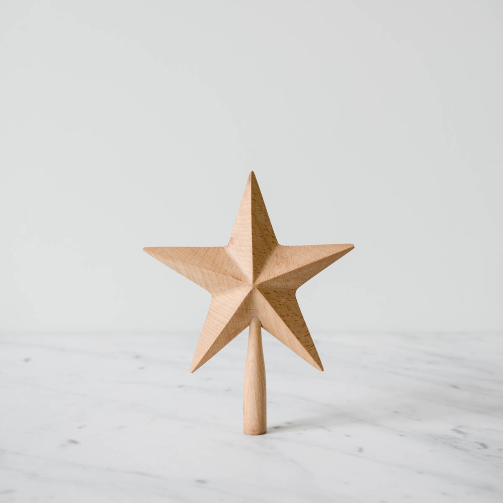 Top Your Tree With This Clean And Elegant Beechwood Tree Topper Its Clean And Classic Design Makes It P With Images Minimalist Christmas Tree Tree Toppers Diy Tree Topper