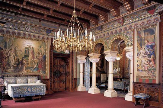 Château de Pierrefonds | Château de neuschwanstein, Châteaux allemagne, Chambre de château