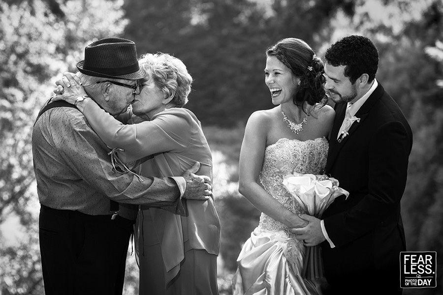 историческим свидетельствам, у фотографов удалились фото со свадьбы легко