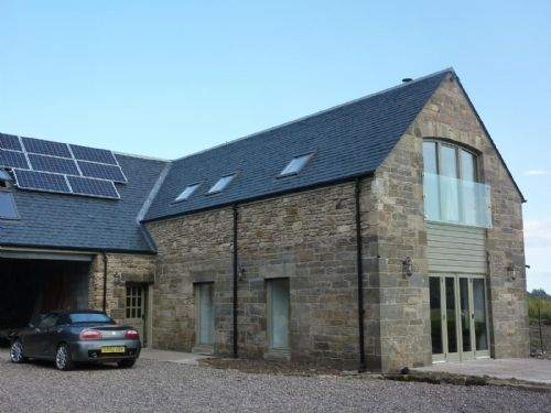 The Beehouse, an ecological design style home with three bedrooms and located in Dairsie which is near St Andrews and well located for crossing the bridges to the beyond. This property also comes with SKY TV & Wifi.