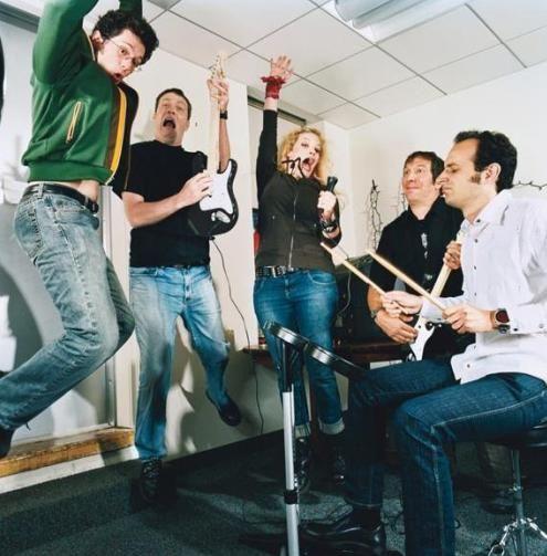 Play Rock Band