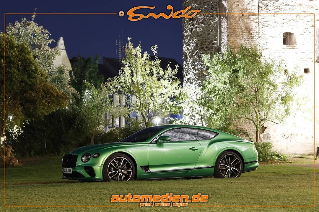 The New Bentley Continental Gt In Applegreen At Night 635 Ps 467