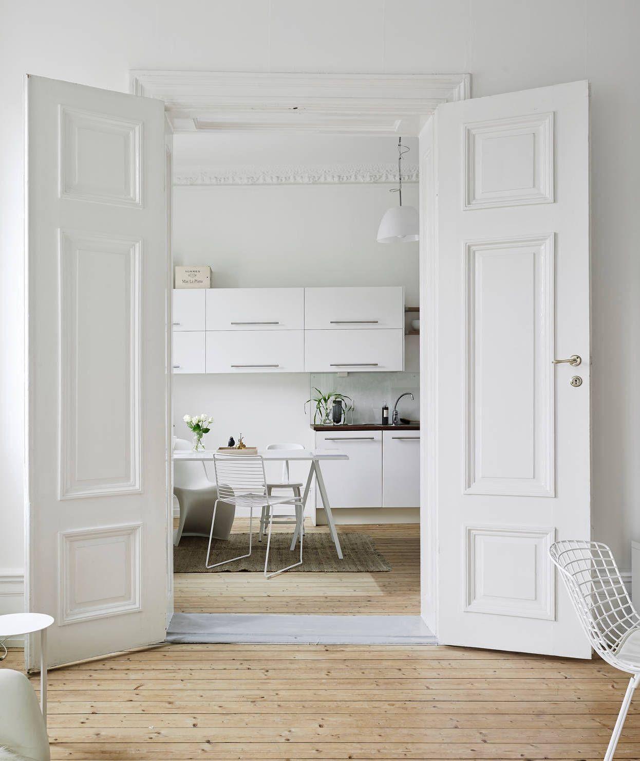 neutrals and clean lines in an old building dielenboden k che und t ren. Black Bedroom Furniture Sets. Home Design Ideas