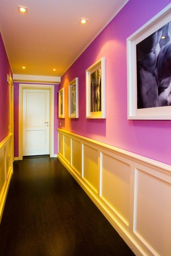 Ideen für Farbgestaltung im Flur-Fußboden aus dunkel lackiertem Holz