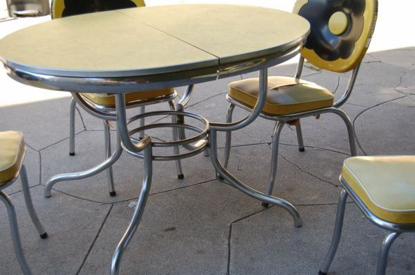 Yellow Formica And Chrome 1950 S Diner Table And Chairs