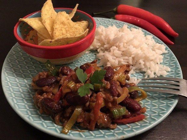 Chili con carne met witte rijst en tortilla chips - Sophie Glutenvrij