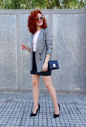 1cca81a62b6 This outfit includes black heels of Bershka