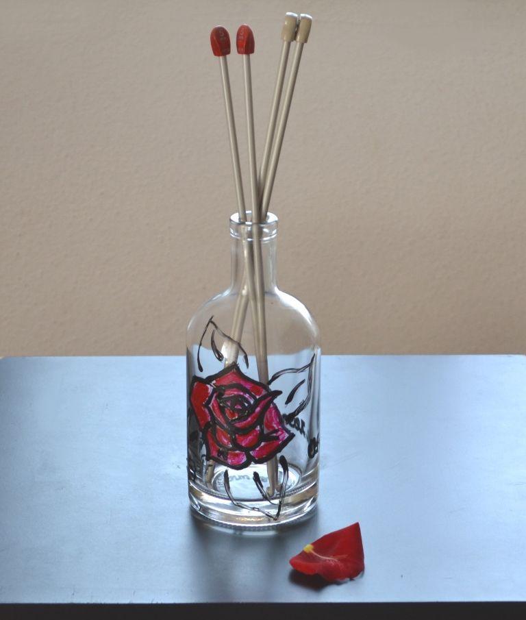 Uma garrafa para guardar agulhas de tricot