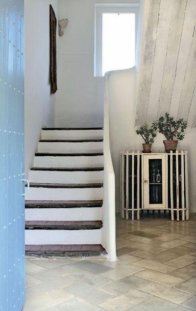 rampe escalier en beton escaliers pinterest mas provencal rampe escalier et escalier en beton. Black Bedroom Furniture Sets. Home Design Ideas