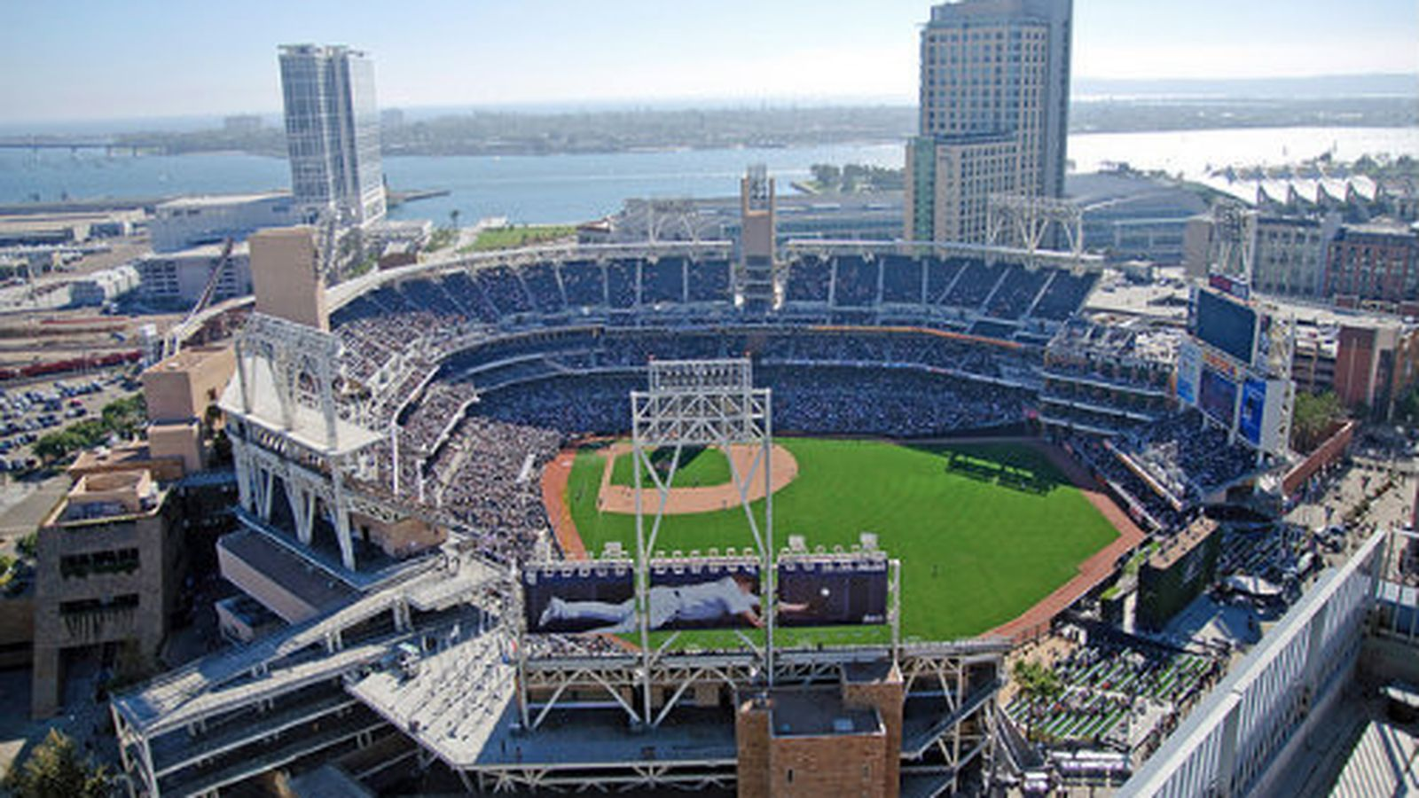 What To Eat At San Diego S Petco Park 2015 Edition Updated Baseball Park Petco Park Baseball Stadium