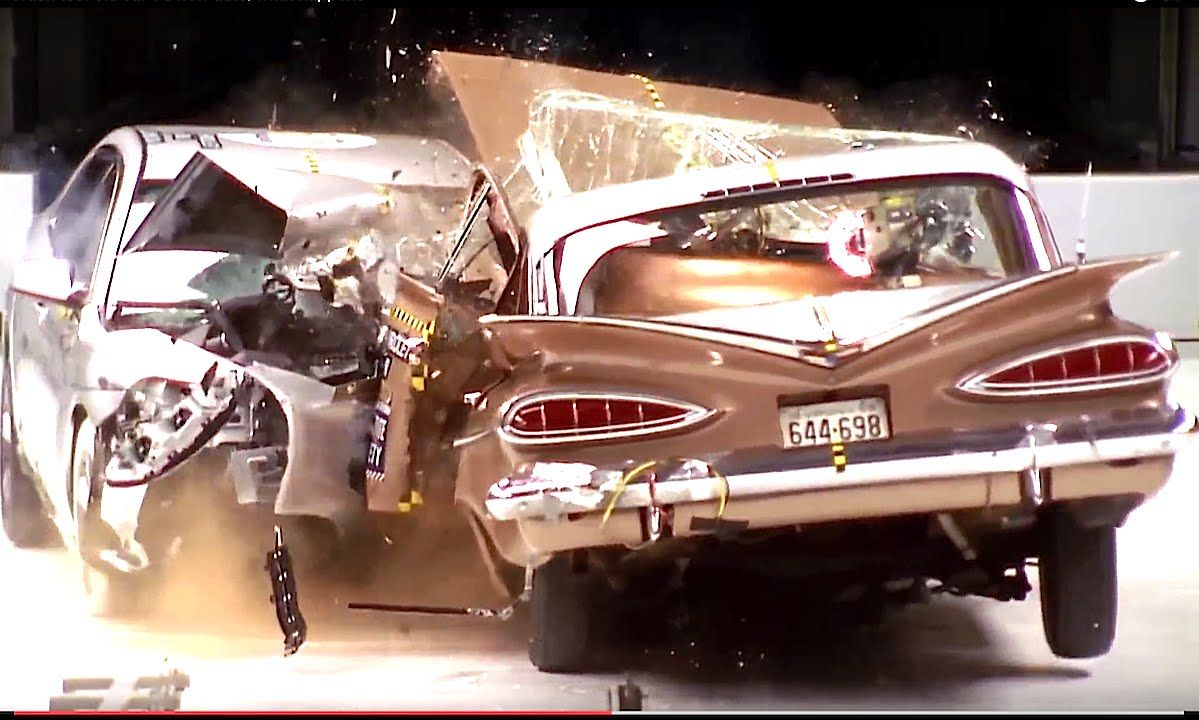 Crash Test Old Car Vs New Auto What Hens