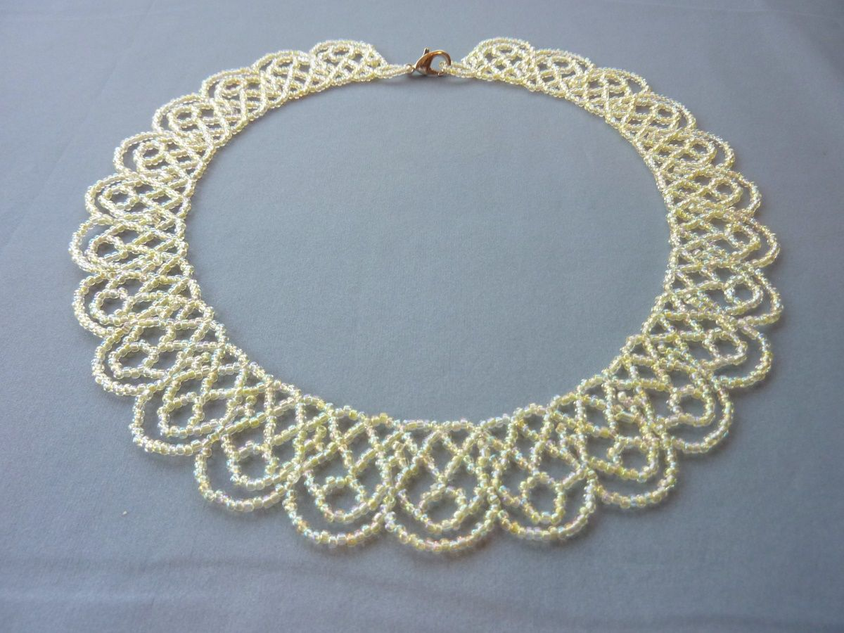 FREE beading pattern for Scalloped Lace Necklace Beaded