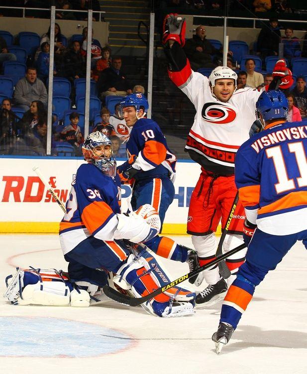 Canes 6, Islanders 4 | 02.11.13 | Carolina Hurricanes Photos | NewsObserver.com