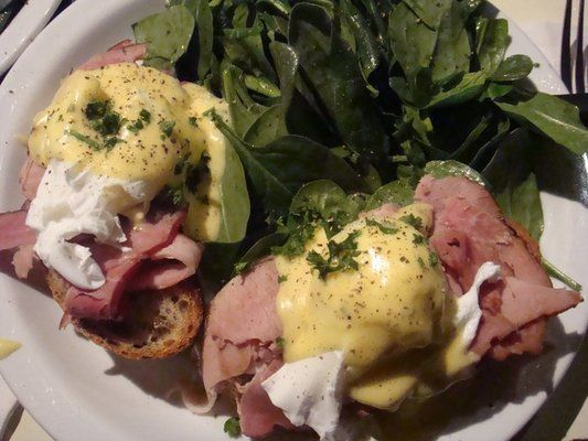 The Butler & The Chef Bistro, good brunch, egg benedict.
