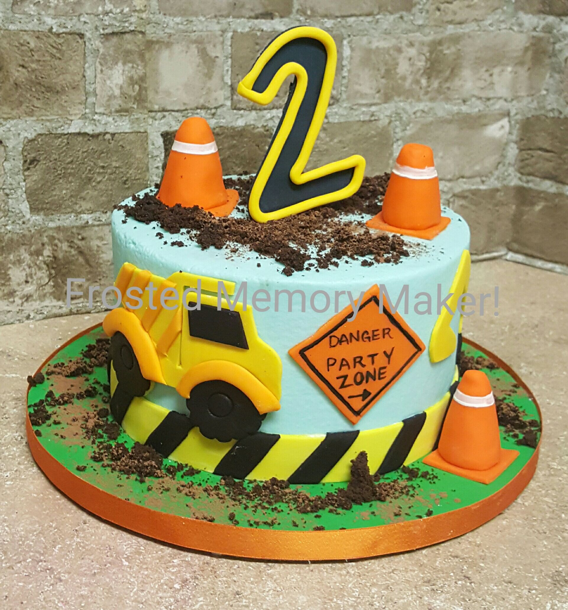 Sensational Construction Themed Birthday Cake Construction Birthday Cake Personalised Birthday Cards Veneteletsinfo