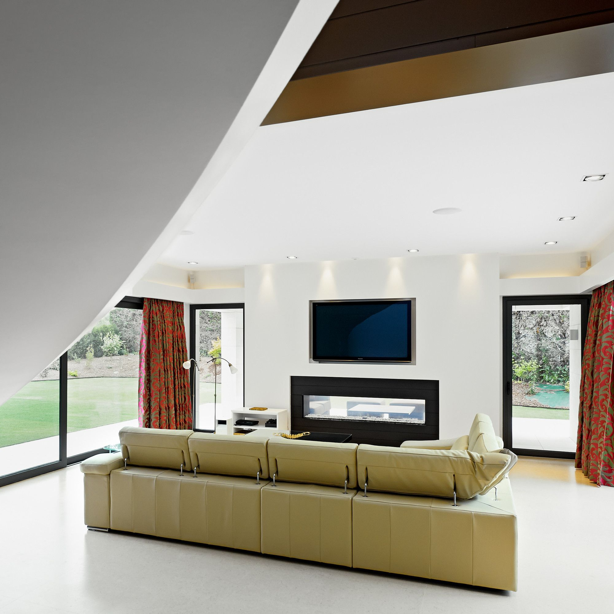 mounting dresser installation ceiling fairfield mount mounted ceilings home tv ct options ideas inside theater bedroom with height plan