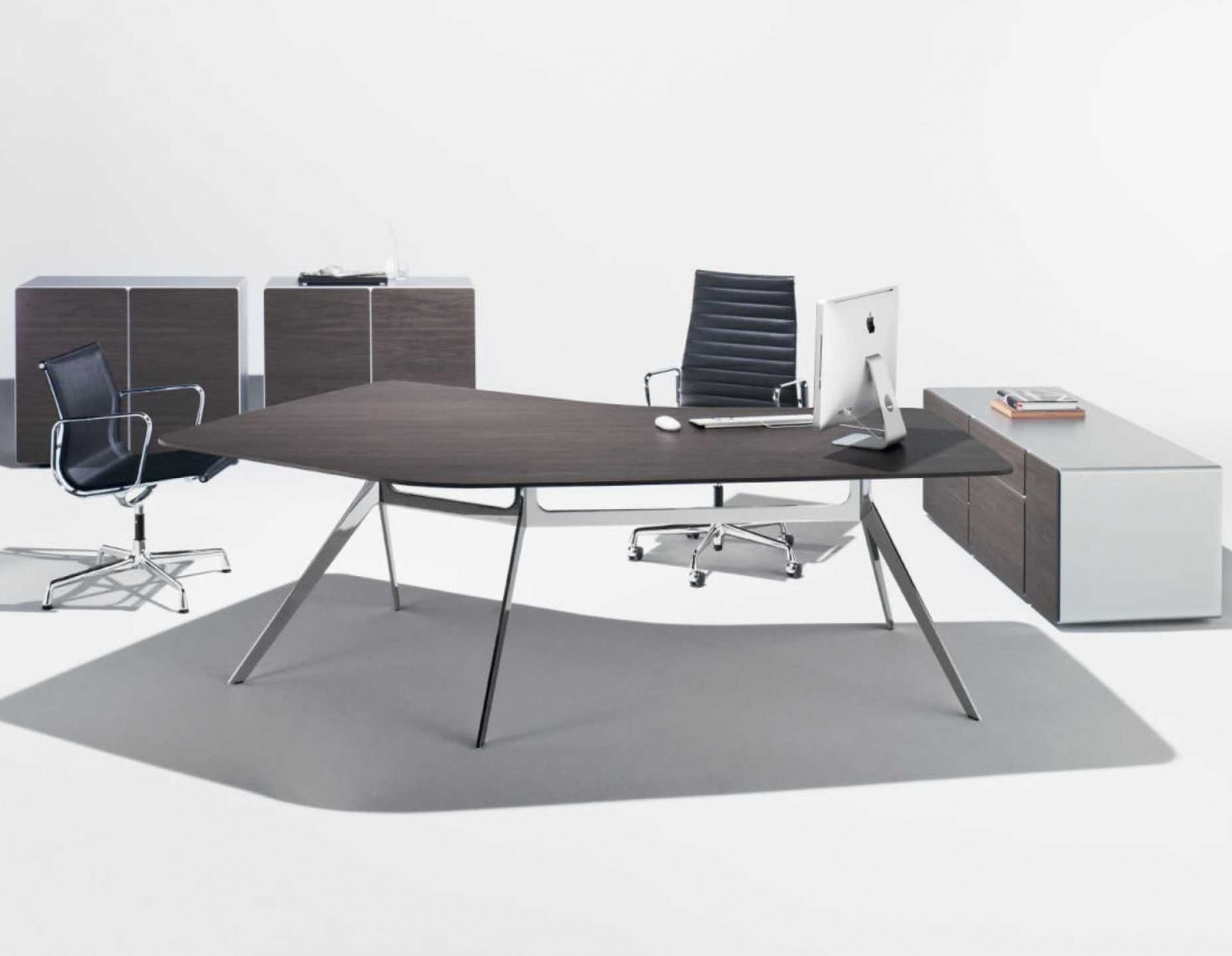 Pin By Erlangfahresi On Desk Office Design Contemporary