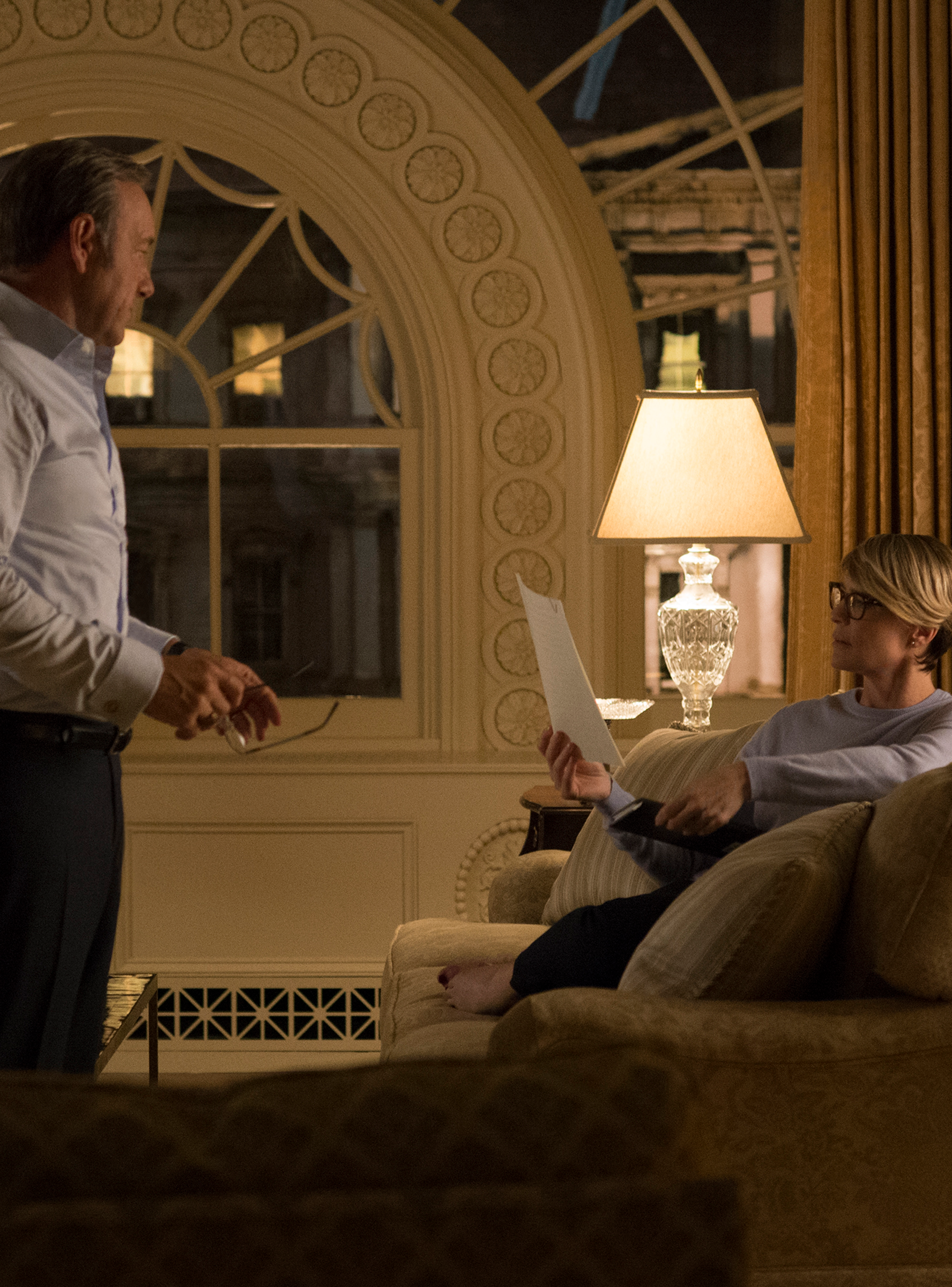 Here S How Much The Apartments On Your Favorite Netflix Shows Really Cost House Of Cards Tv Decor Shows On Netflix
