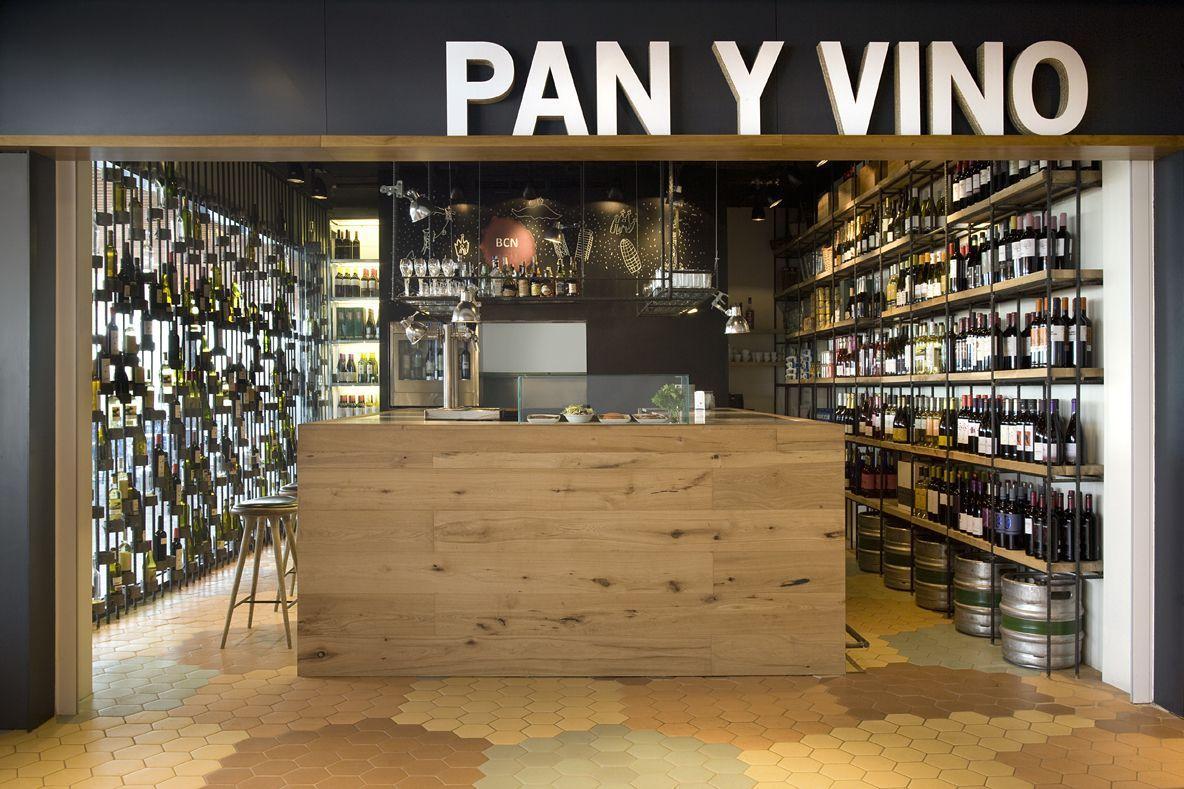 Restaurantes Pan Y Vino Barcelona Homebrewitems Wine Store Design Wine Store Retail Store Design