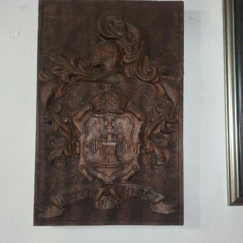 Escudo De Morata De Jiloca Zaragoza En Tallademadera Tallado En Madera De Madera Madera